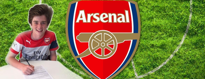 U11 Goalkeeper Jack Fletcher signs for Arsenal